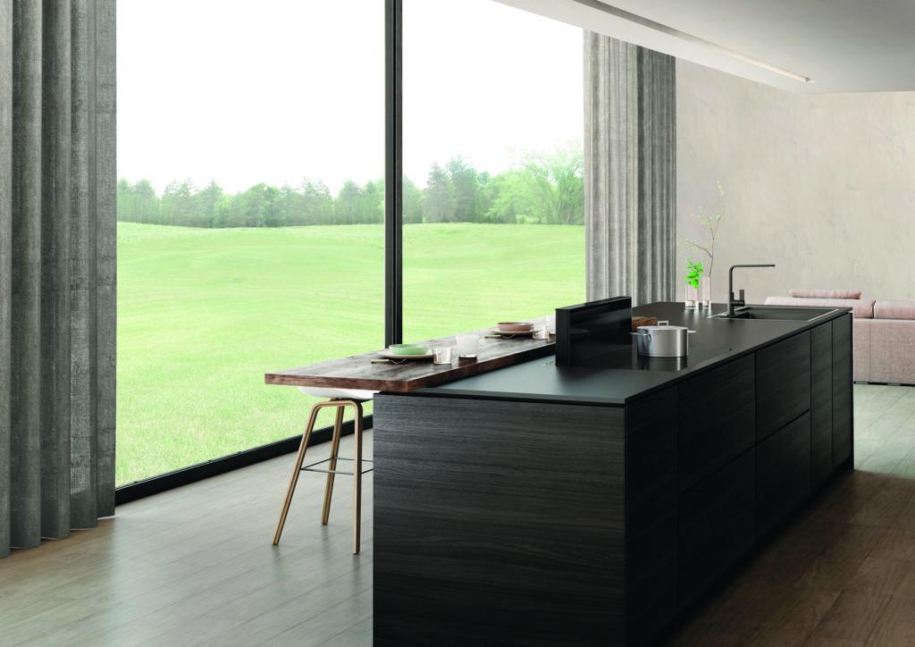 dunstabzugshaube fenster kochbereich dunstabzug oben oder unten. Black Bedroom Furniture Sets. Home Design Ideas