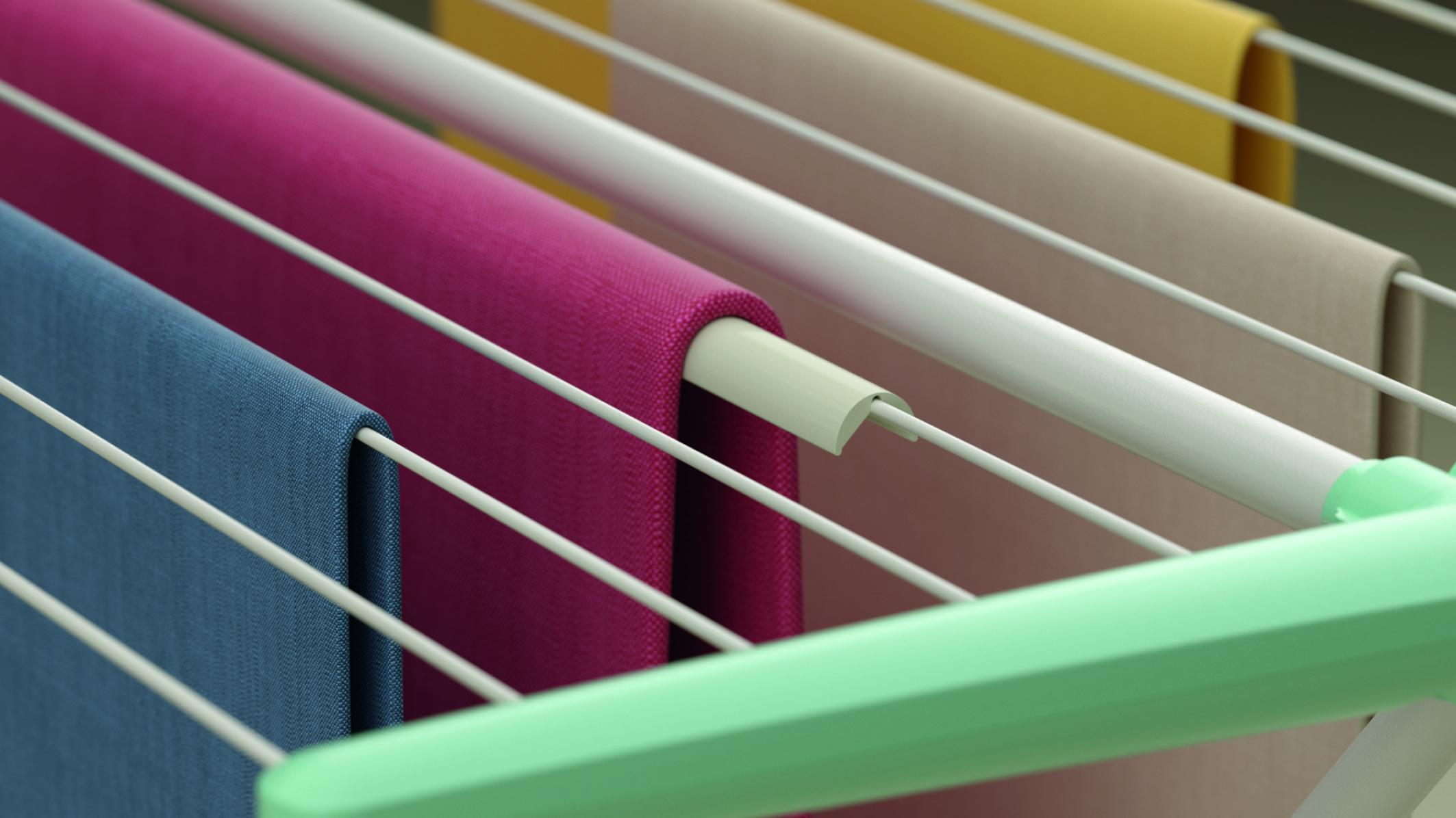 faltenfreie Wäsche auf einem Wäscheständer