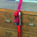 Wenn ein Wohnungswechsel ansteht, sollte sich um geeignete Transporthilfen (z.B. Master Lock) aus dem Baumarkt gekümmert werden, damit beim Umzug nichts verrutscht